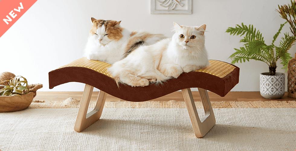 なだらかカーブが体にフィット。安定感のある家具調タイプ。