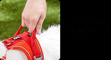 引き寄せや持ち上げに便利なハンドル付き。