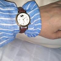 猫の腕時計 クローバーを探して